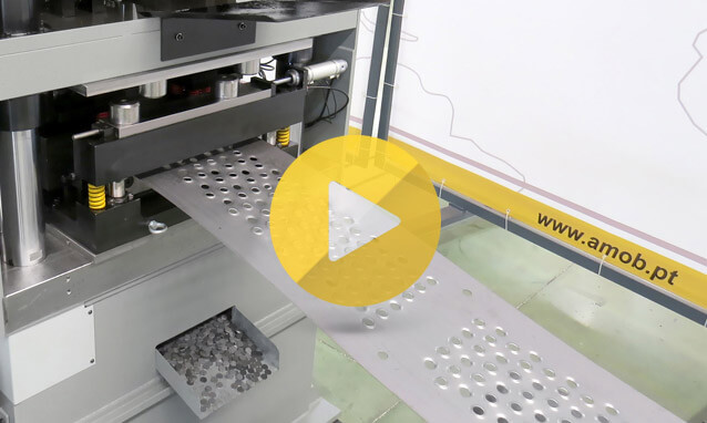 Watch the fully automatic roll forming line – Self drain floor