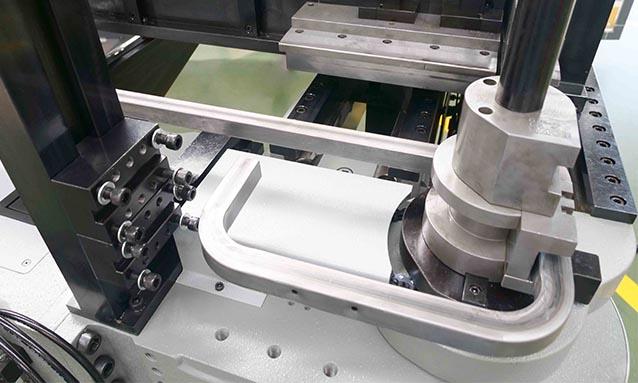 curvadoras de tubo CNC elétricas-tubo-retangular