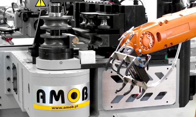 curvadoras-tubo-cnc-totalmente-eletricas-eMOB52CNC-Alimentador-web-1