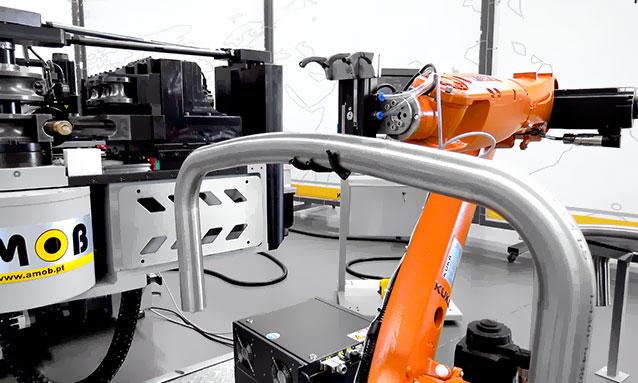 curvadoras-tubo-cnc-totalmente-eletricas-eMOB52CNC-alimentador-web-3