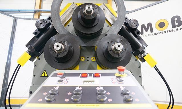 máquina-de-arquear-perfis-MAH150-3AC-3