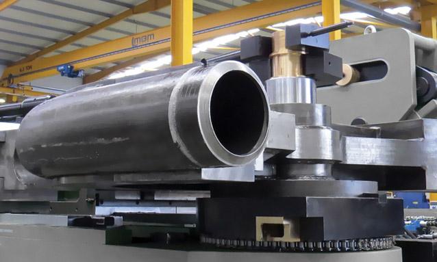 máquinas de curvar tubo booster CNC (2)