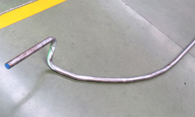 máquinas de curvar tubo booster CNC4