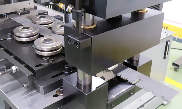 prensas-hidraulicas-customizadas-linha-automatica1