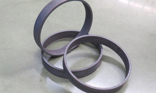 Image of Angle bending rolls flat bar perfect rings