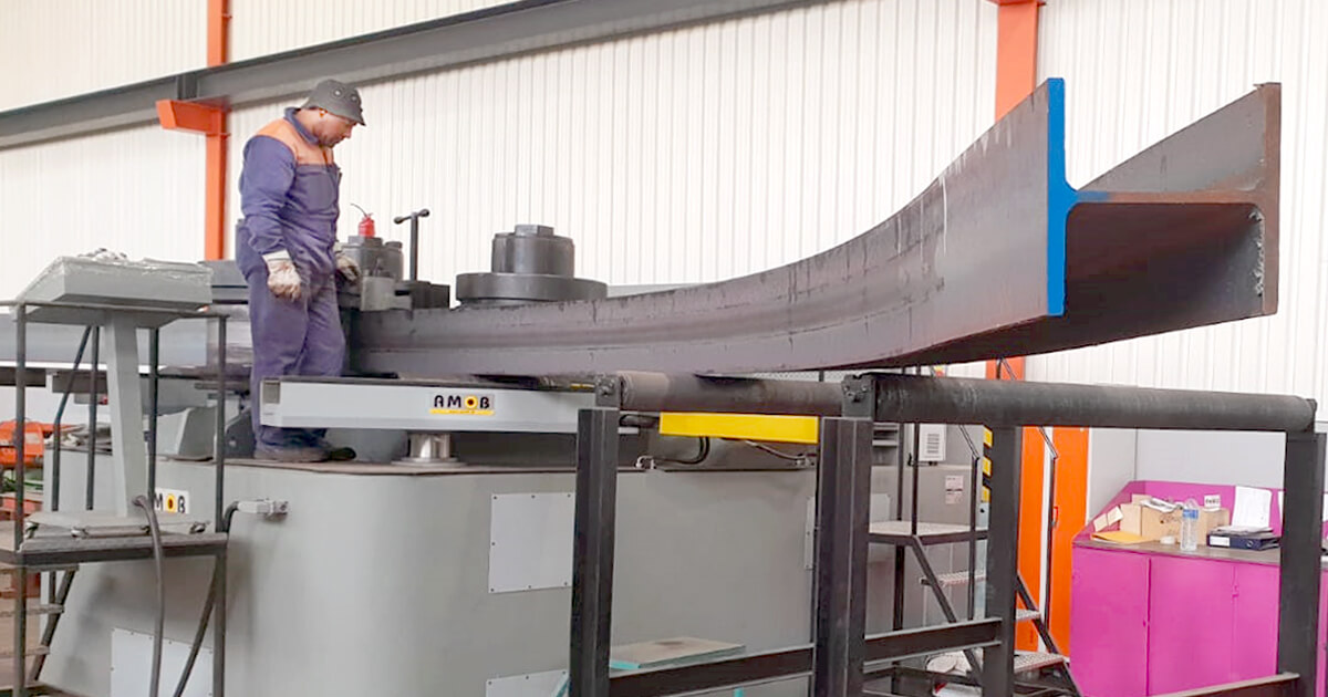 Image of section bender to leader in self-supporting metal construction