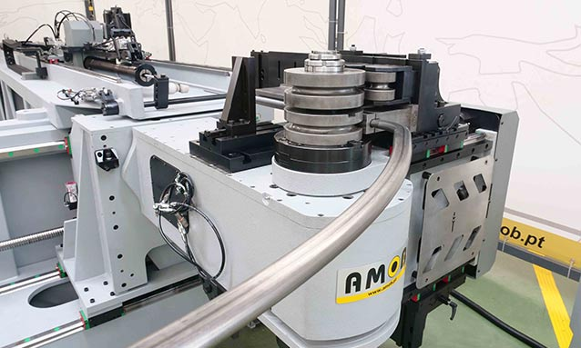 Img - Right-and-Left-Fully-Electric-CNC-Tube-Bender-eMOB42-2Bend-26x18x1,5_1