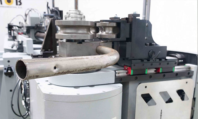 Img - Right-and-Left-Fully-Electric-CNC-Tube-Bender-eMOB42-2Bend-35x1,5_2