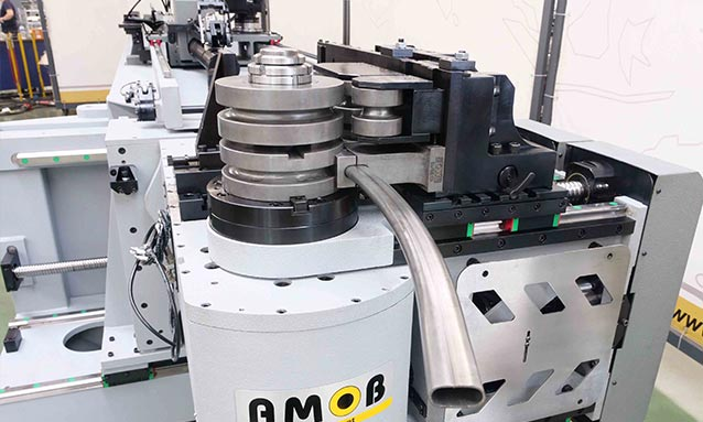 Img - Right-and-Left-Fully-Electric-CNC-Tube-Bender-eMOB42-2Bend-36x18x1,5_2