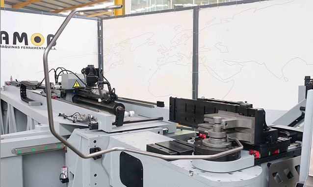 Img - Right-and-Left-Fully-Electric-CNC-Tube-Bender-eMOB42CNC_14x1,5-CLR43.5
