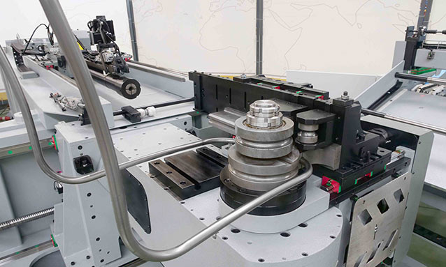 Img - Right-and-Left-Fully-Electric-CNC-Tube-Bender-eMOB42CNC_18x1,5-CLR93_1