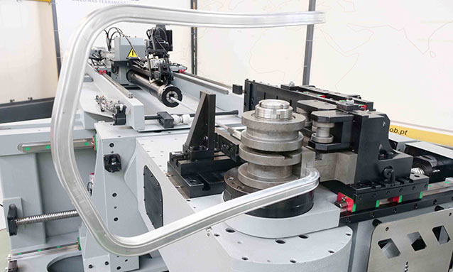 Img - Right-and-Left-Fully-Electric-CNC-Tube-Bender-eMOB42CNC_25x25x2-CLR270