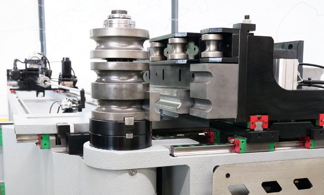 curvadoras-de-tubo-cnc-direita-esquerda-totalmente-eletricas-eMOB32-CNC_7