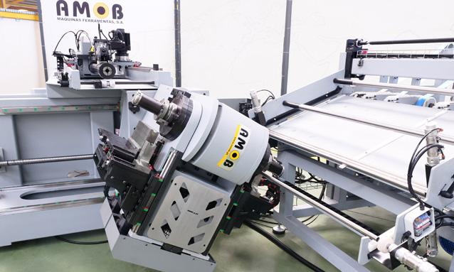 curvadoras-de-tubo-cnc-direita-esquerda-totalmente-eletricas-eMOB42CNC-2Bend-20x15-Automatic-Feed-Cell_1