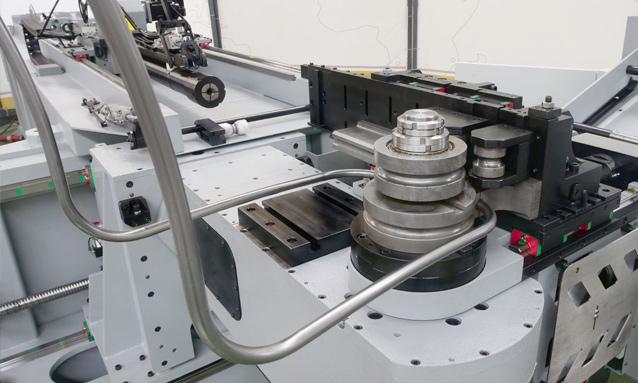 curvadoras-de-tubo-cnc-direita-esquerda-totalmente-eletricas-eMOB42CNC-2Bend-Rotative-Head-18x15-CLR93_1